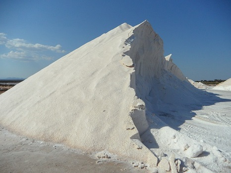 salt-374552_640