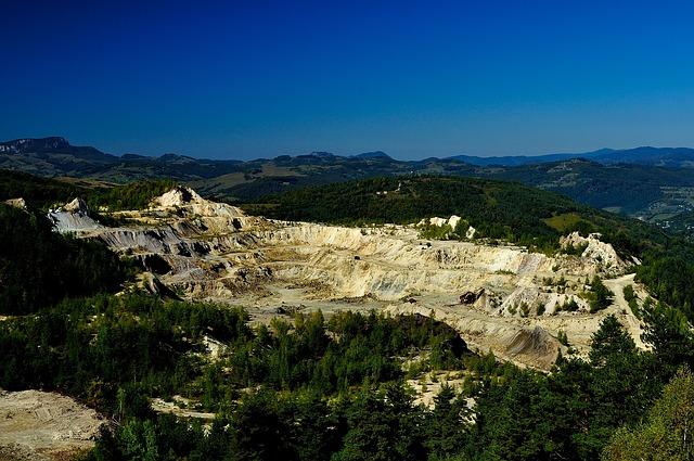 gold-mine-391420_640
